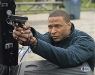 David Ramsey Signed Arrow 8x10 Photo (Beckett COA)