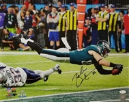 Zach Ertz Signed Philadelphia Eagles Super Bowl LII Touchdown 16x20 Photo (JSA COA)