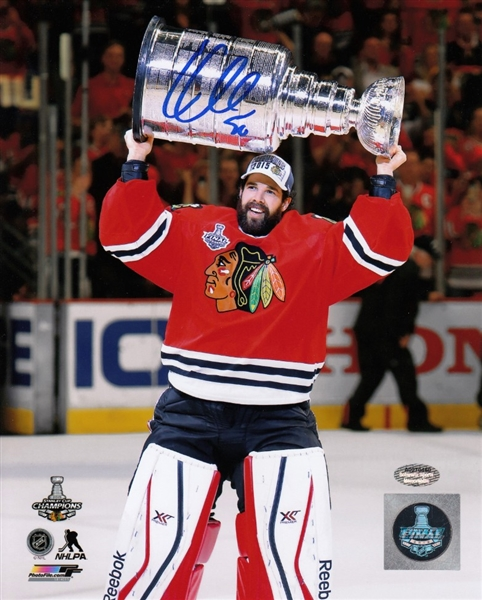 Corey Crawford Signed Chicago Blackhawks Stanley Cup 8x10 Photo (Schwartz Sports COA)