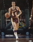 Jerry West Signed Los Angeles Lakers 11x14 Photo (Beckett COA)