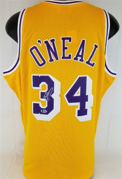 Shaquille ONeal Signed Lakers Mitchell & Ness 1996-97 Hardwood Classics Jersey (Beckett Witness COA)