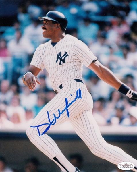 Dave Winfield Signed New York Yankees 8x10 Photo (JSA COA)