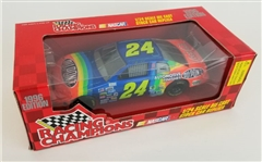 Jeff Gordon #24 Dupont Racing Champions 1:24 Scale Replica Die-Cast Car