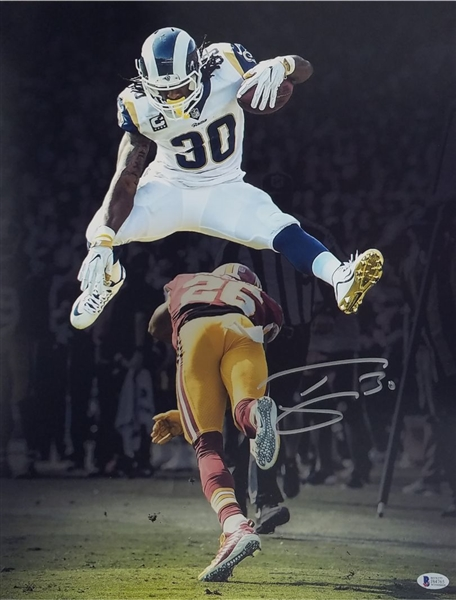 Todd Gurley Signed Los Angeles Rams 16x20 Photo (Beckett Witness COA)