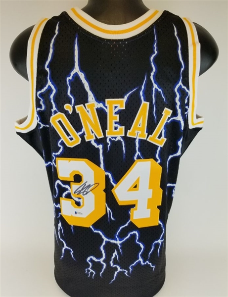 Shaquille ONeal Signed Mitchell & Ness Hardwood Classics 1996-97 Los Angeles Lakers Lightning Swingman Jersey (Beckett Witness COA)